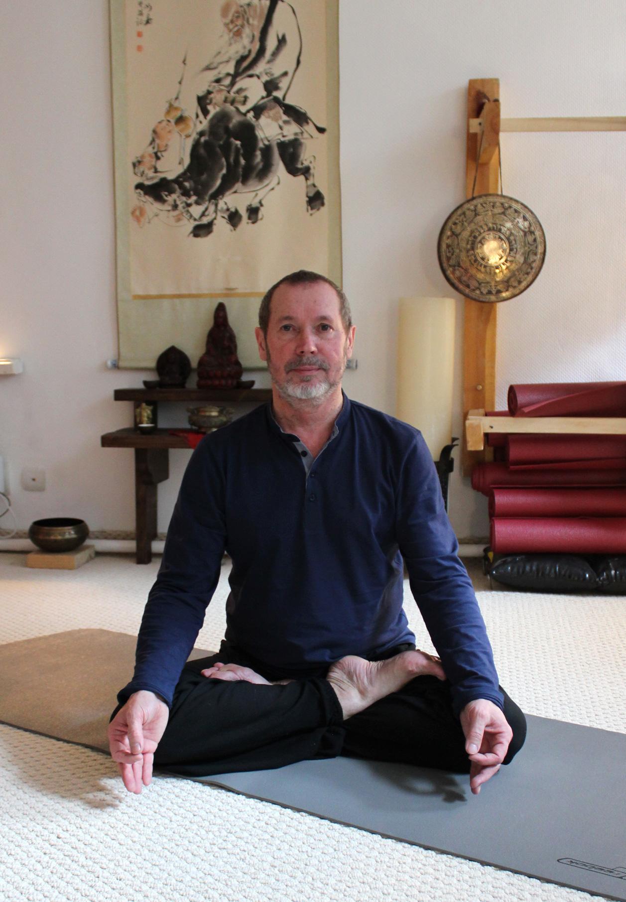 Мясников АА - преподаватель йоги в Нижнем Ноговроде